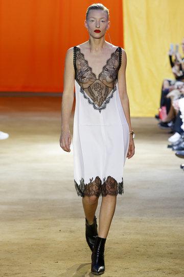 _mon0012_fashionshow_article_portrait